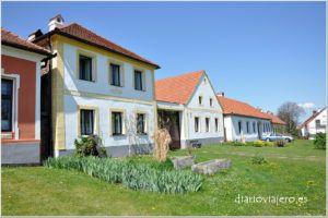 Holasovice, barroco rural checo. Como llegar a Holasovice desde Ceske Budejovice y Praga