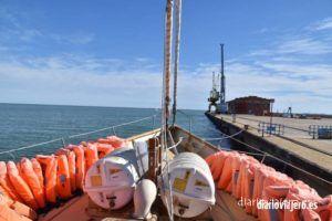 El barco Astral recorre los puertos de Cambrils, Vilanova, Arenys de mar y otras poblaciones catalanas