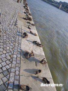 Visita al Parlamento de Budapest. Monumento de los zapatos