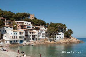 Visita a la Cala de Sa Tuna en Begur, una espectacular cala en la Costa Brava